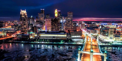 A picture of the skyline of Minneapolis.
